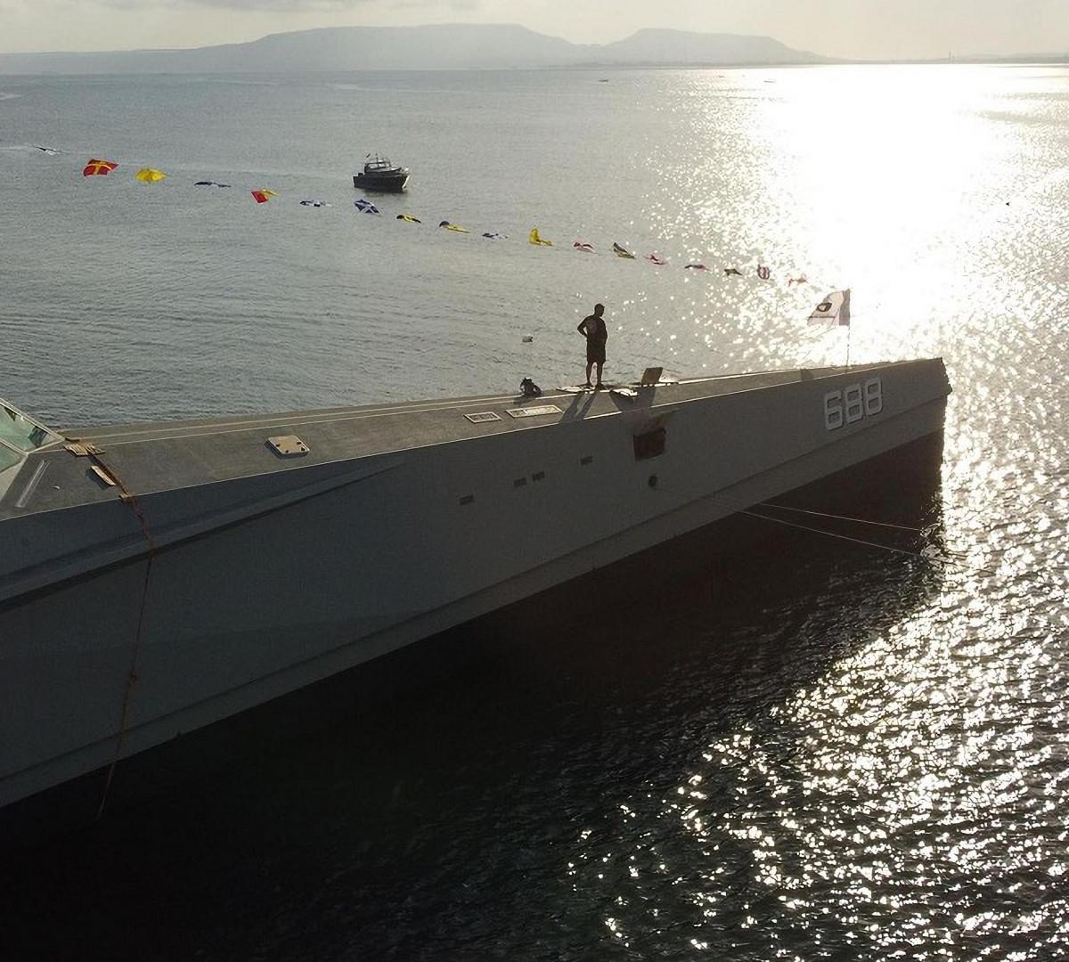 Inilah Penampakan Kapal Siluman Baru TNI AL, KRI Golok 688