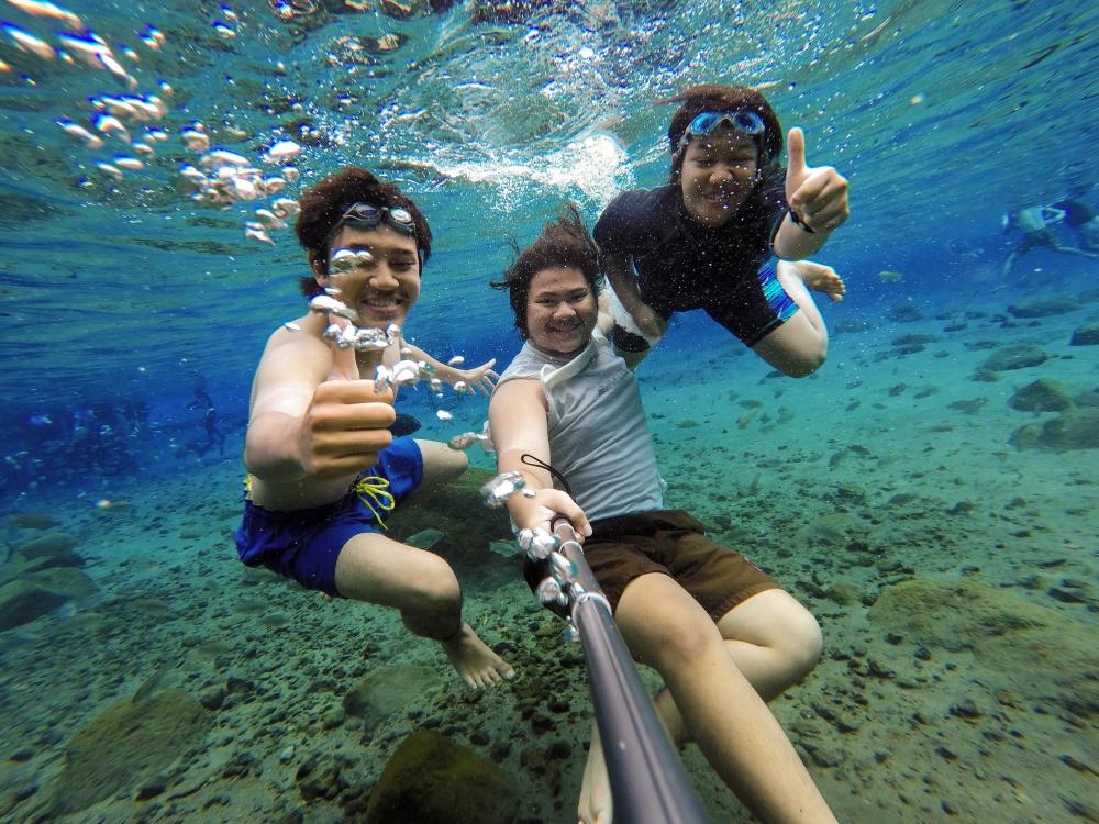 Keceriaan Bawah Air