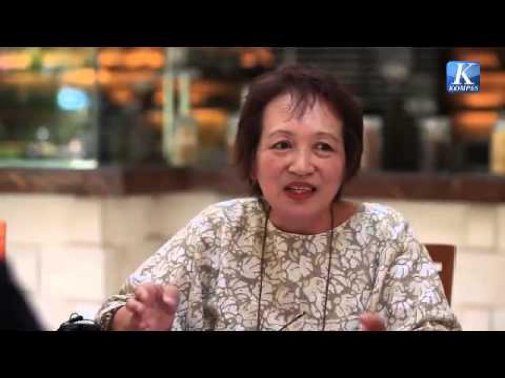 Kecintaan Perempuan Jepang ini pada Batik Hasilkan Karya Batik Renaissance