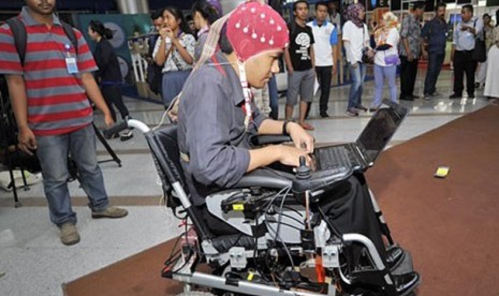 Kursi Roda Elektrik Buatan LIPI Ini Mampu digerakkan Dengan Otak