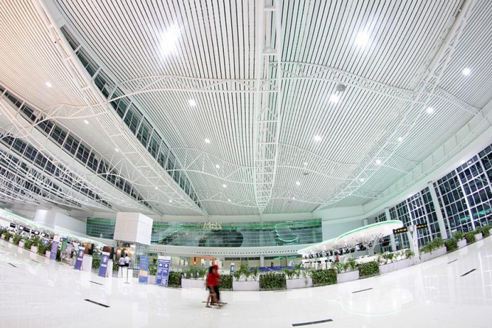 akhirnya bandara di indonesia dinobatkan menjadi no 1 dunia good rh goodnewsfromindonesia id bandara yang paling bagus di indonesia