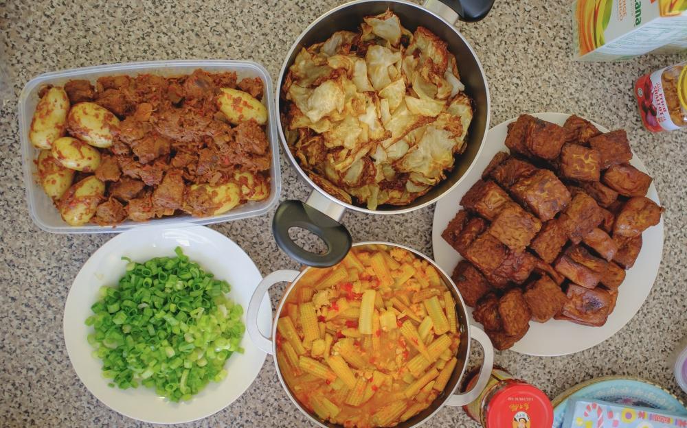 """Makanan Lebaran """"Mewah"""" ala Indonesia di Manchester, Inggris"""