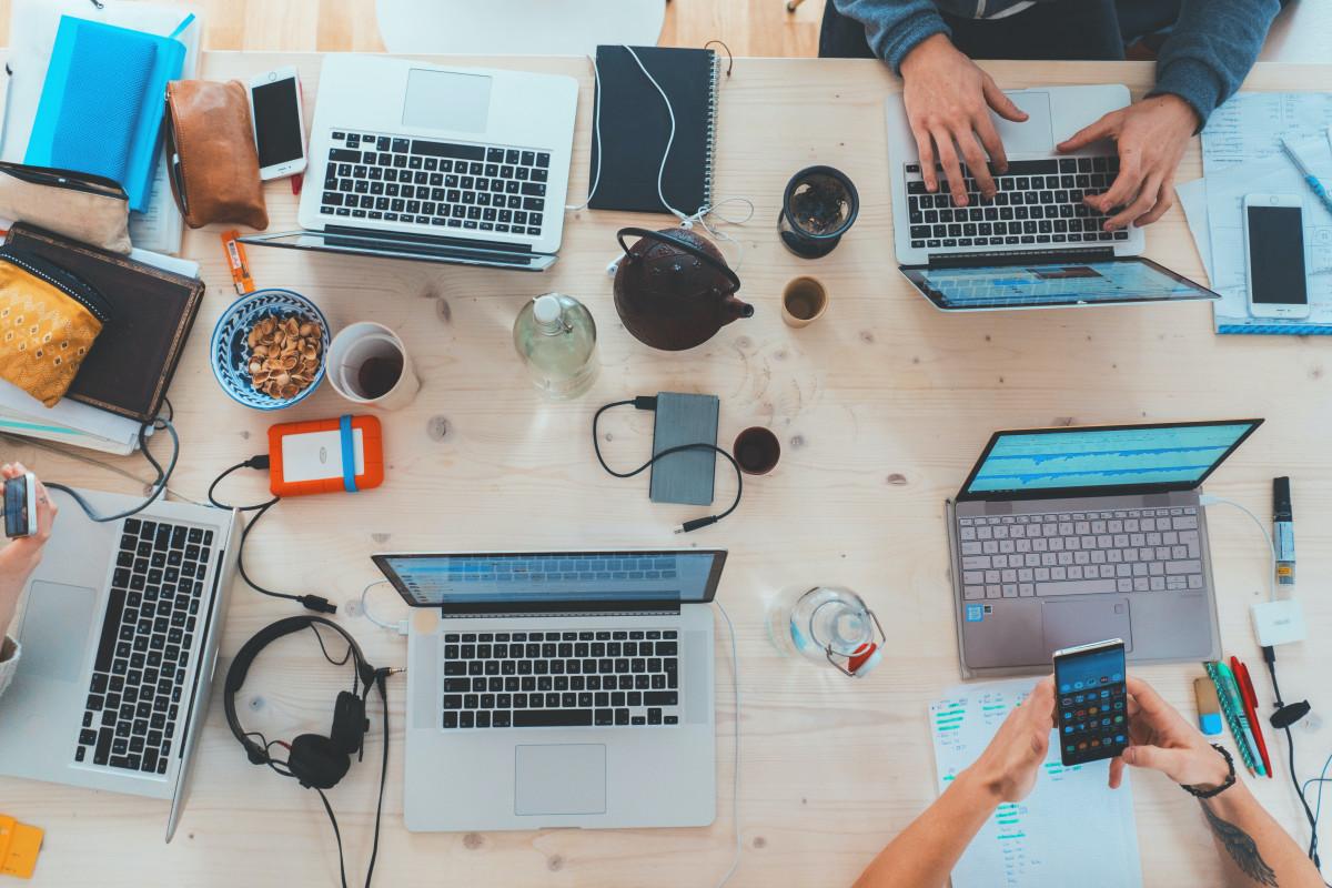 Program Digitalisasi Sekolah, Pemerintah Libatkan 3 Universitas Garap Laptop Merah Putih