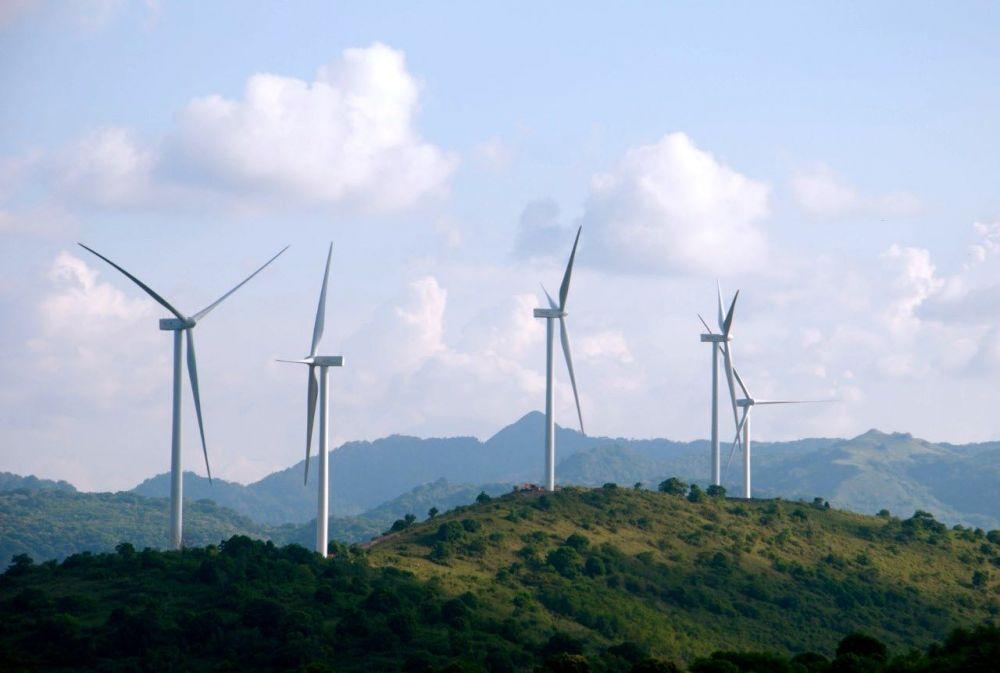 Melihat Potensi Besar Energi Terbarukan Indonesia