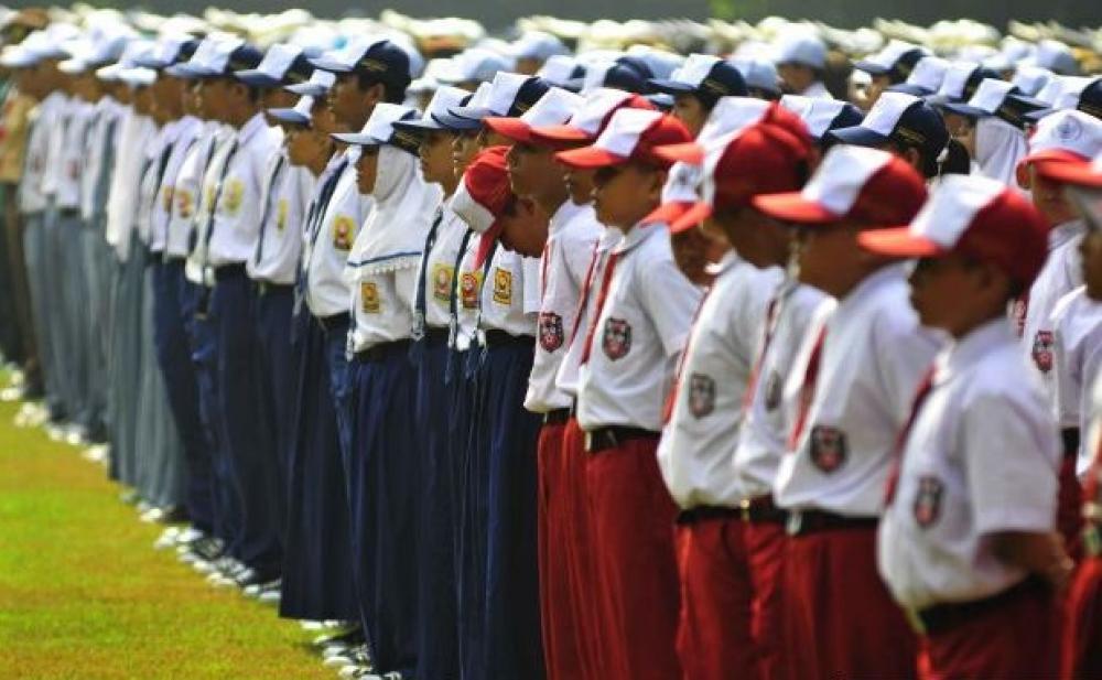 Hasil gambar untuk seragam sekolah