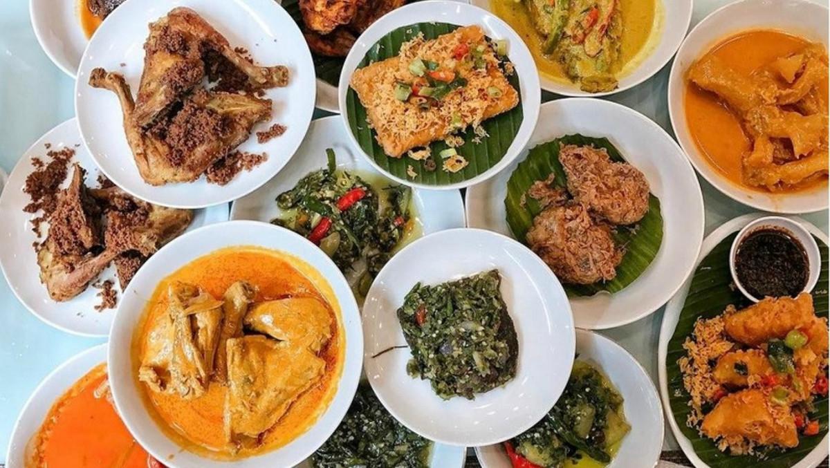Kenapa Masakan Padang Identik dengan Santan dan Rasa Pedas?