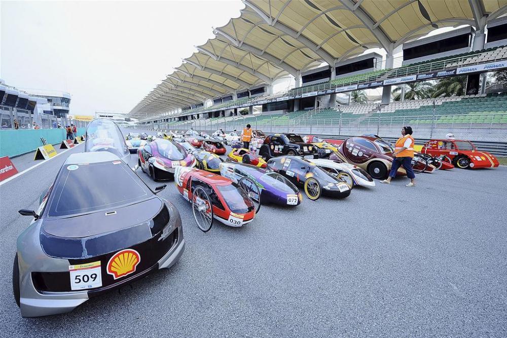Mobil-mobil Futuristis Karya Anak Negeri Berlaga