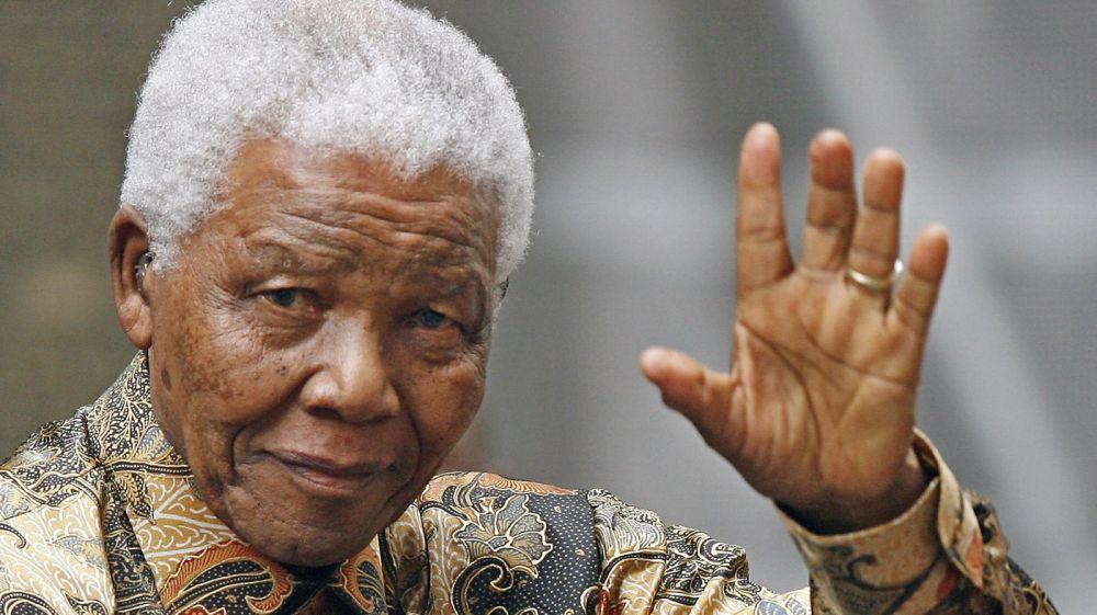 Meneladani 5 Sikap Berpolitik Tokoh Afrika Selatan yang Gemar Berbaju Batik