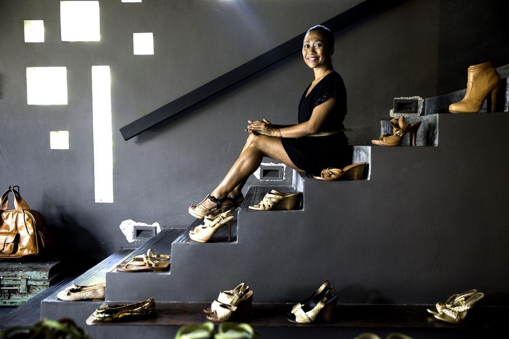 Mendunia karena Sepatu: Niluh Djelantik