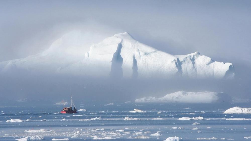 Orang Indonesia Pertama Berlari di Kutub Utara