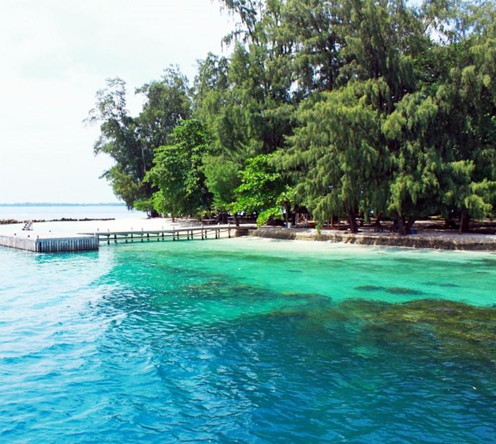 Pulau Genteng Kecil Pantai Pasir Putih Di Pulau Seribu