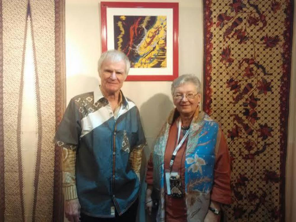 Penulis dan Kolektor Asing Buka Galeri Batik di Jerman