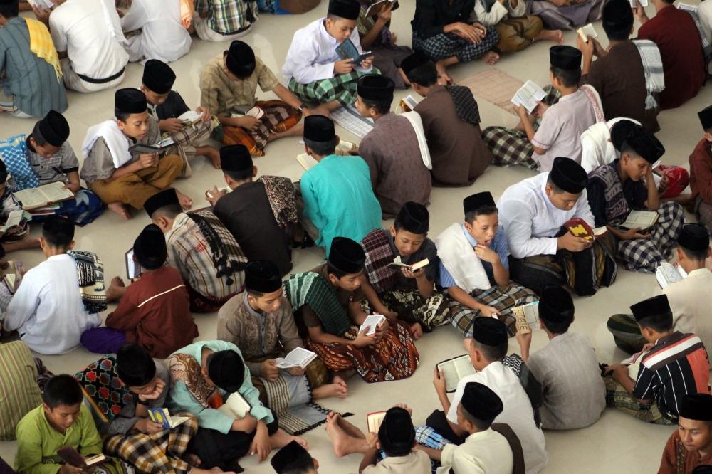 Pesantren as Moral Crisis Responses of Indonesian Education System