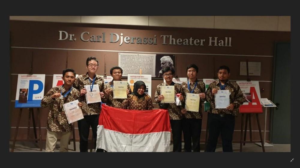 Mahasiswa Indonesia Diganjar Emas di Ajang Matematika Dunia