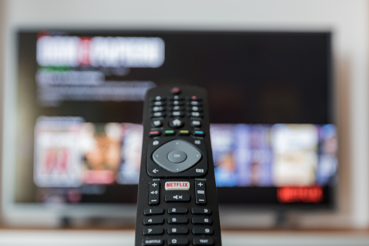 Rangkul Kenyamanan dengan Lebih Dekat Bersama TV Digital