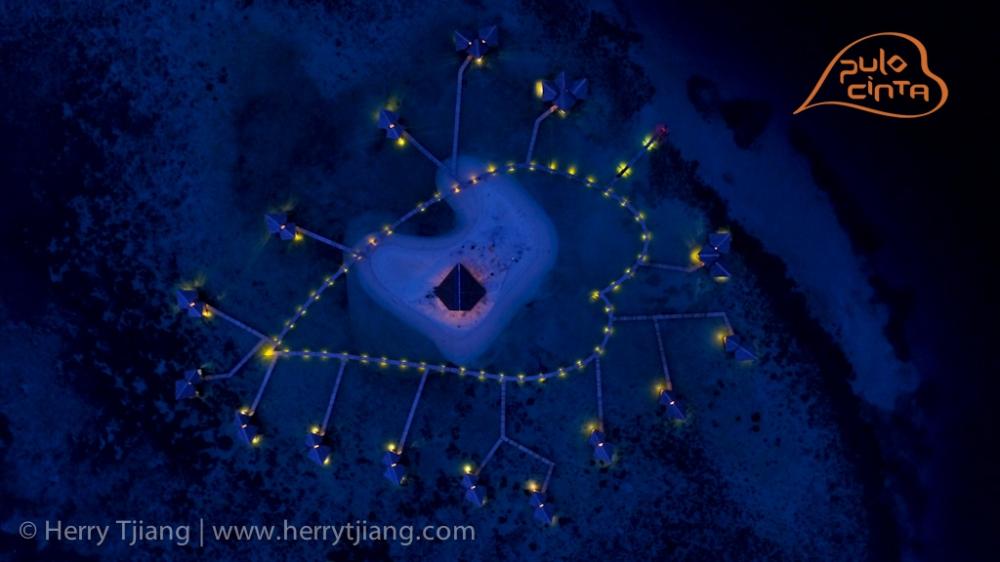 Pulo Cinta berbentuk hati di Indonesia