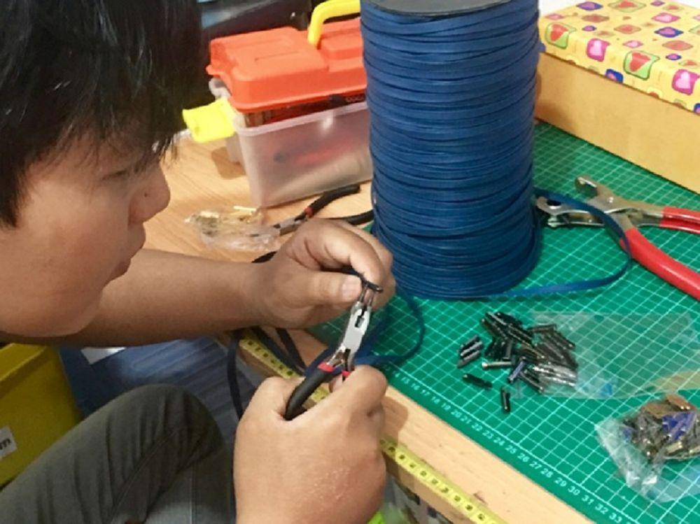 Berkat Bisnis Tali Sepatu Pemuda Asal Bandung Raih Omzet Puluhan Juta Rupiah