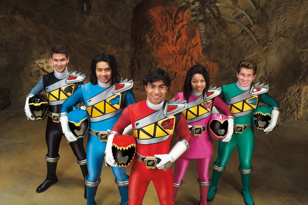 The History of Power Rangers returns with Dino Charge! Power Rangers and dinosaurs the concept is so old its set in a museum! Then in season 2 we get a new