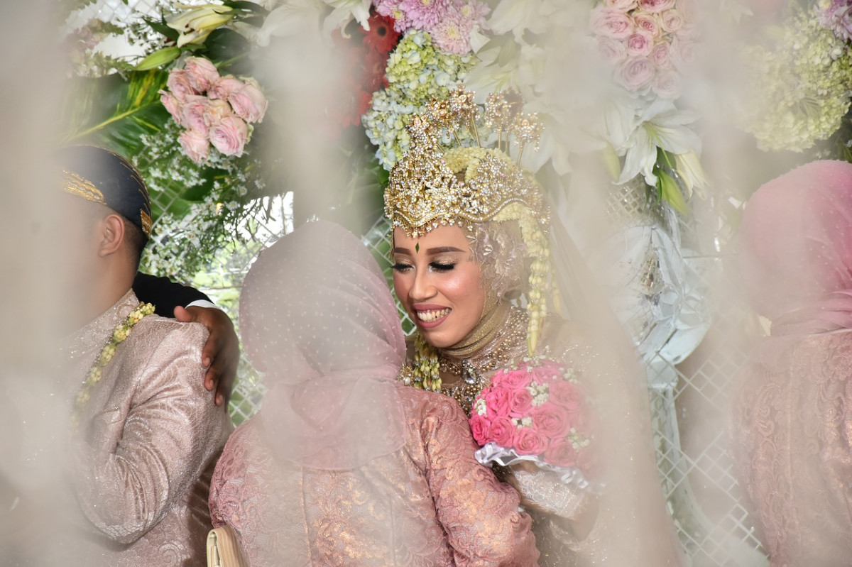 Ngeuyeuk Seureuh dalam Tradisi Pernikahan Adat Sunda