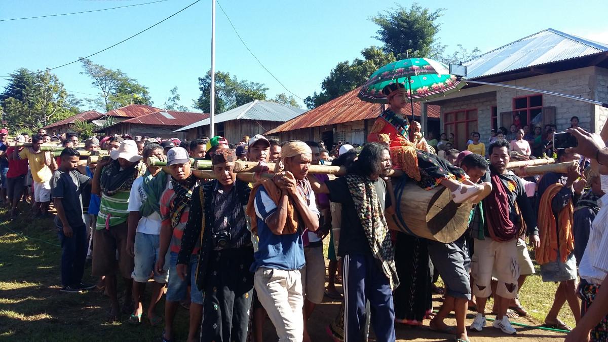 Roko Molas Poco, Tradisi Unik Untuk Awali Pembangunan Rumah Adat