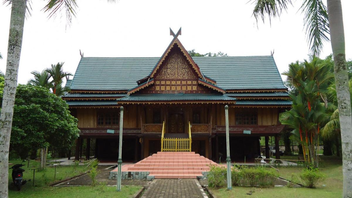Keunikan Rumah Adat Kajang Lako Di Bumi Melayu Good News From