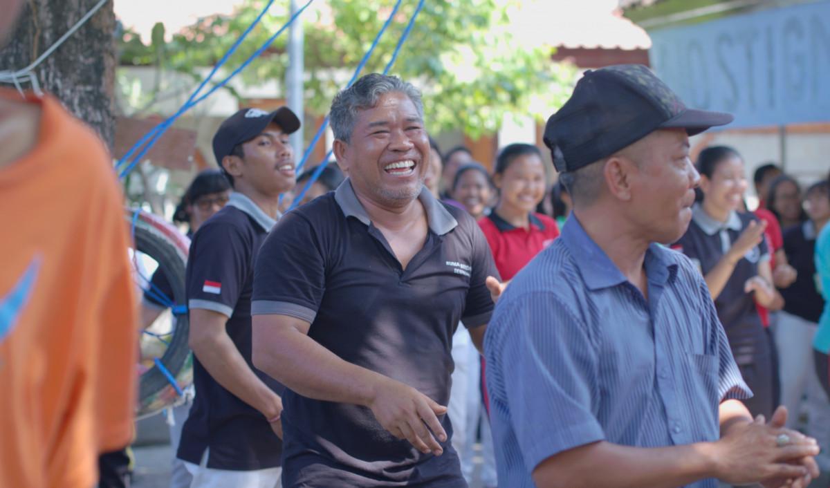 Di Bali, Skizofernia dari Cercaan Jadi Kebanggaan