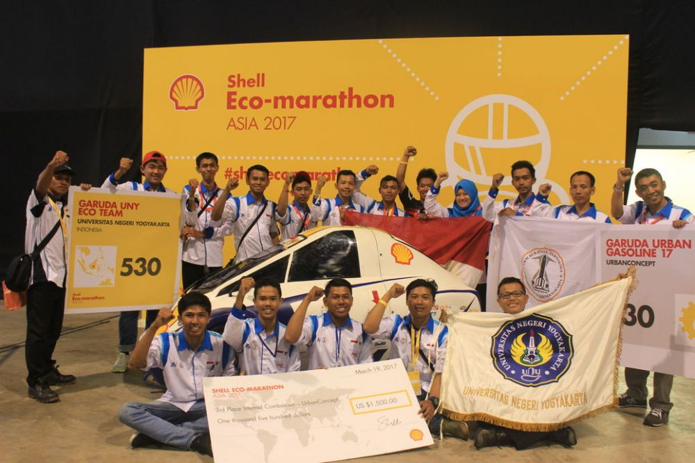 Tim Garuda UNY Raih Juara Tiga dalam Kompetisi SEM 2017