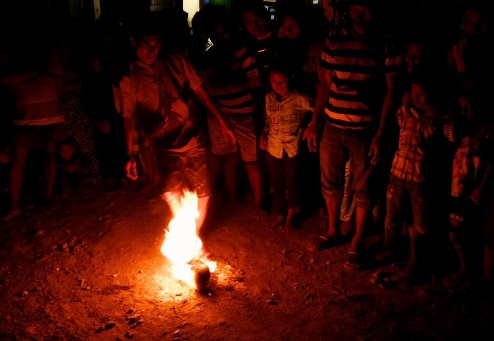 Di Bulan Ramadhan Ada Sepak Bola yang Tidak Biasa di Kampung Kenjeran Surabaya