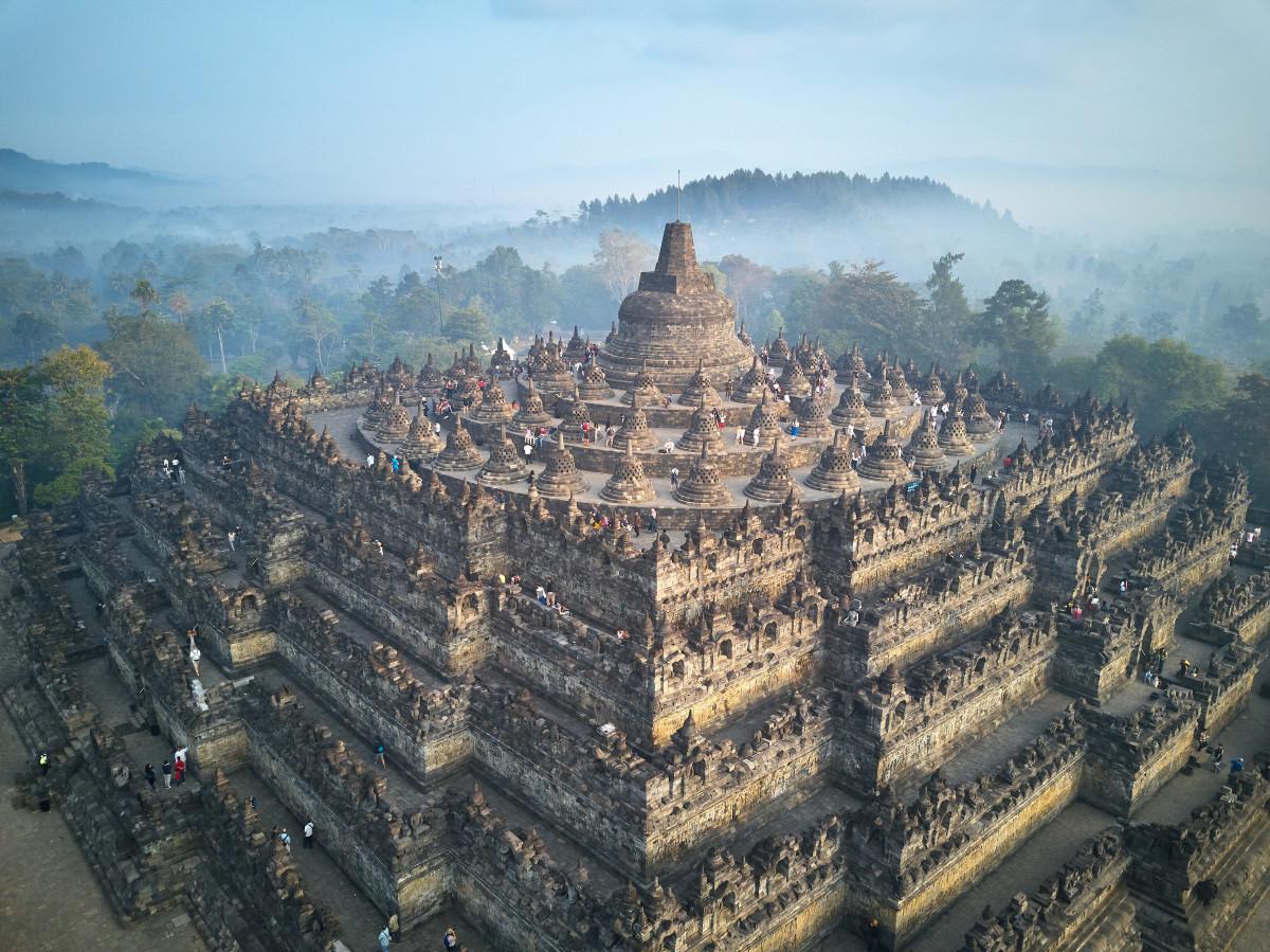 Menjelajah Candi Borobudur di Saat PSBB | Good News from Indonesia