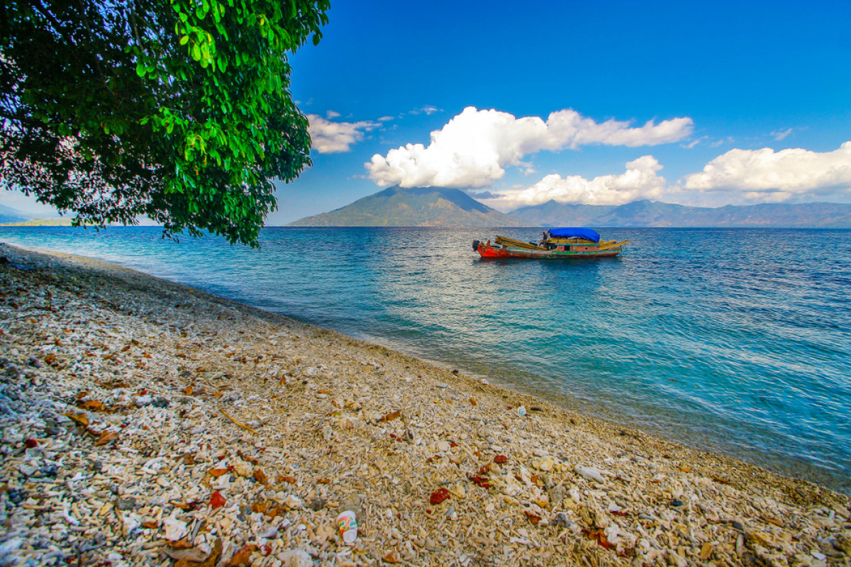 Pulau Kenari, Surga Wisata dengan Keunikan Multibahasa
