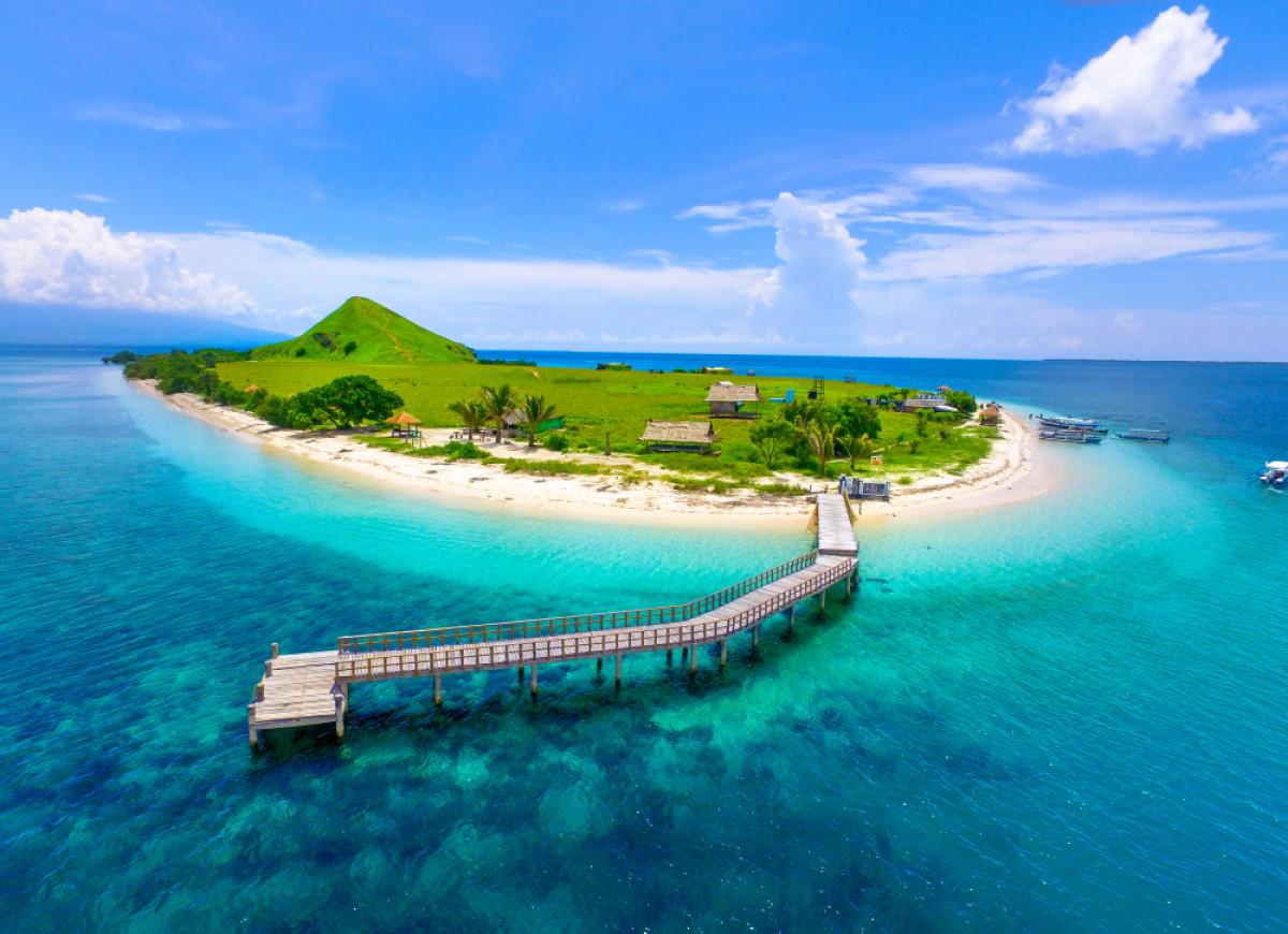Menjelajah Surga Kecil Nan Memesona di Sumbawa Barat