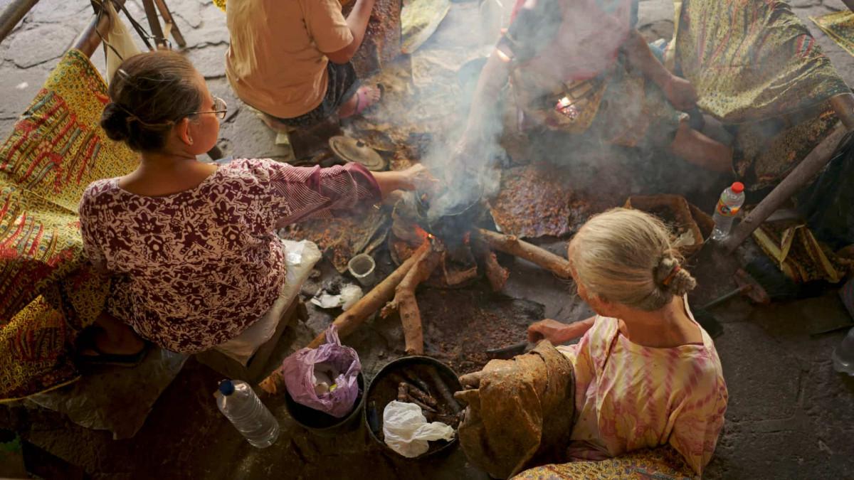 Sajadah Covid, Inovasi Batik Lasem Demi Bisa Tetap Berproduksi