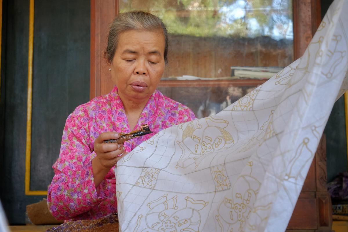 Sejarah Batik Tulis Oey Soe Tjoen yang Kini di Ambang Kepunahan