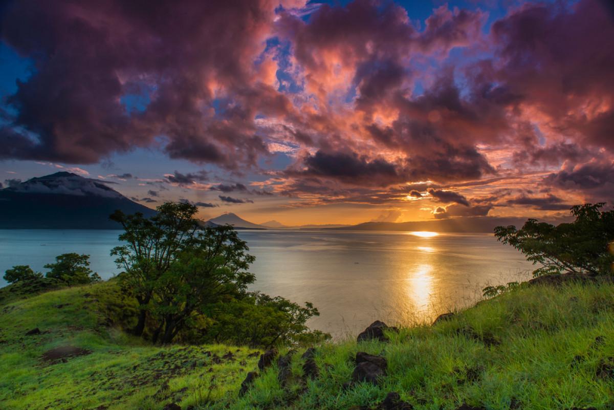 Adonara, Setetes Surga di Timur Indonesia