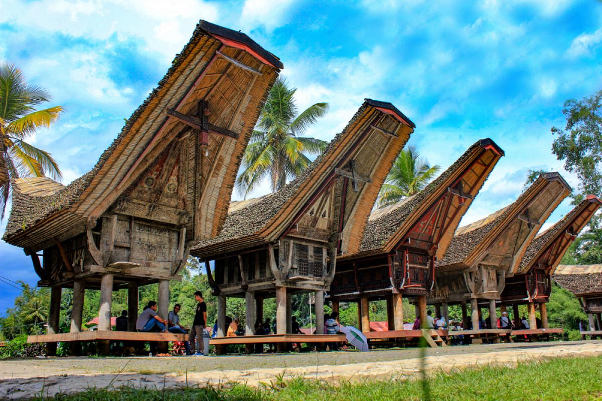 Melihat Rumah Adat dan Kuburan Batu di Desa Kete Kesu Tana Toraja