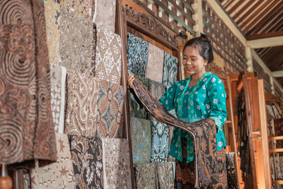 Hari Batik Nasional: Kiat Membedakan Batik Tulis, Cap, dan Print