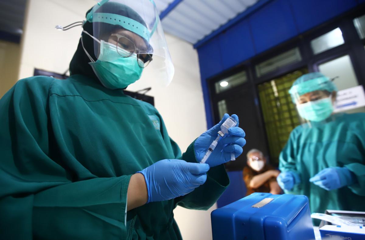 Peran Mantri Kesehatan Sukseskan Vaksinasi pada Masa Kolonial