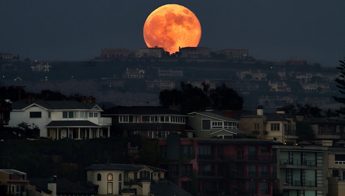 Super Blood Moon dan Fenomena Gerhana Bulan yang Pernah Terjadi di Indonesia