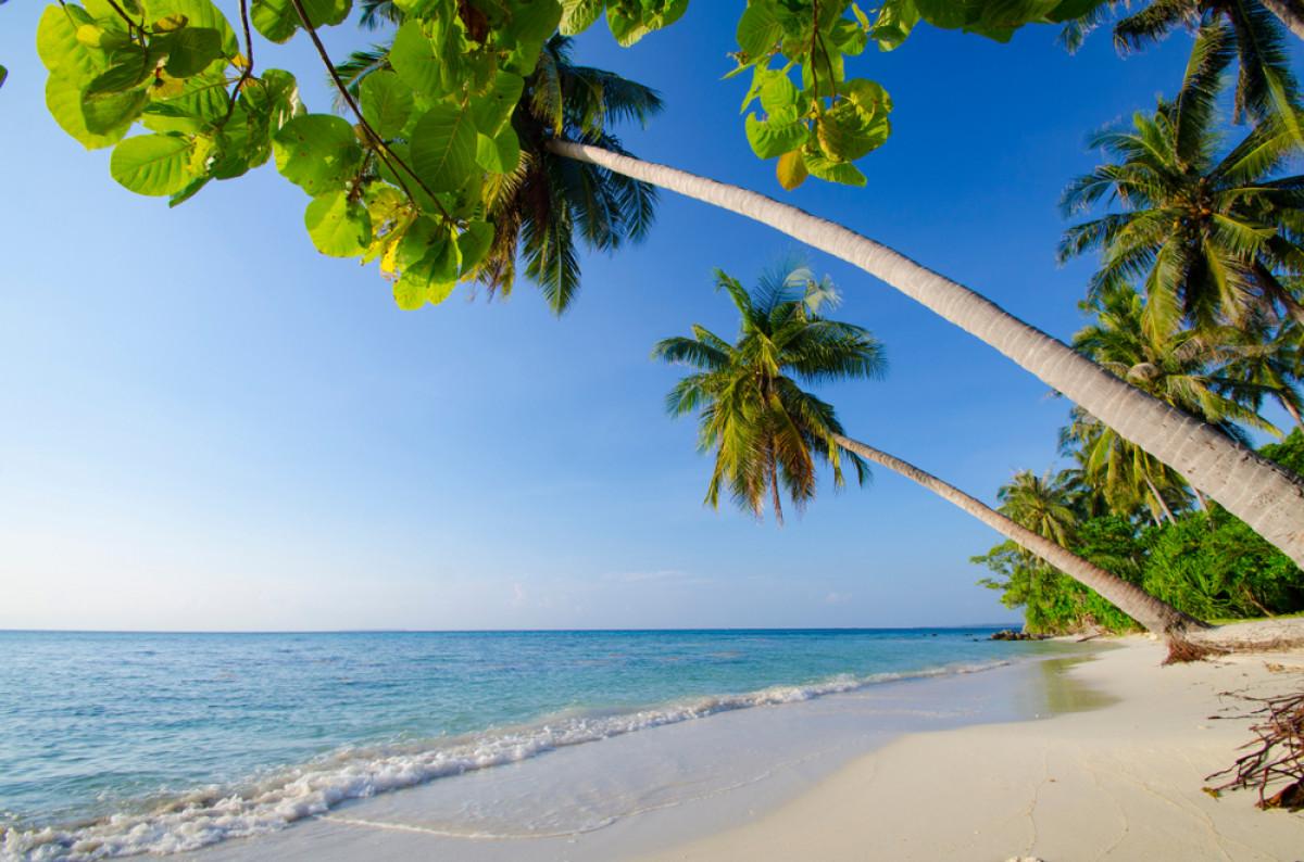 Rekomendasi Pantai Terindah di Pulau Jawa
