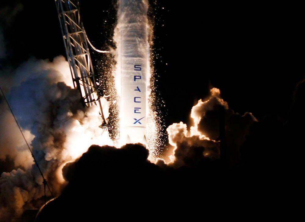 first image of Telkom Bakal Lebih Hemat Berkat Roket Spacex with Tahun Depan, Satelit Indonesia akan Diluncurkan dengan ...
