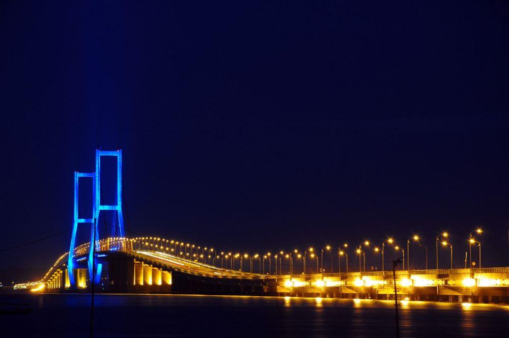 Empat Jembatan Gantung Terindah di Indonesia