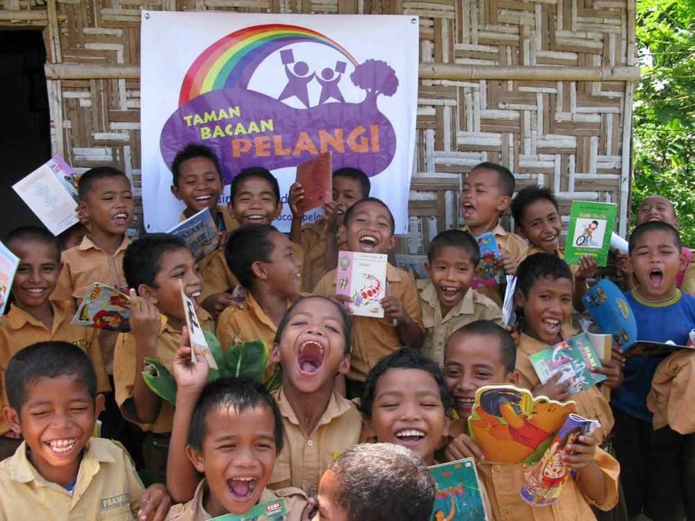Nila Tanzil dan Kisahnya Bangun Taman Baca di Indonesia Timur