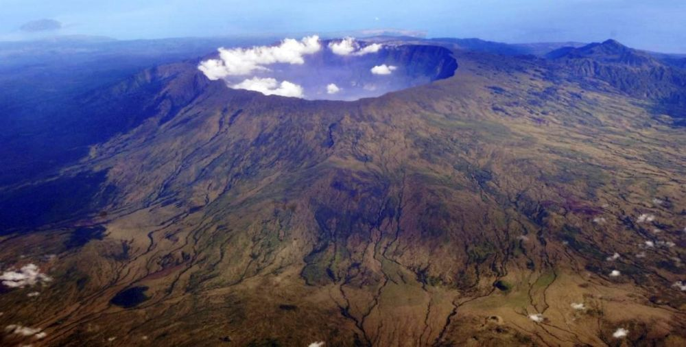 April Nanti, Puncak Gunung Tambora Akan Berubah Menjadi Merah – Putih
