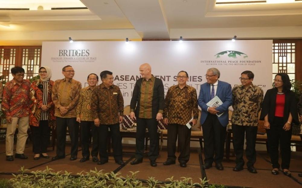 Tujuh Peraih Nobel Perdamaian akan Tiba di Indonesia