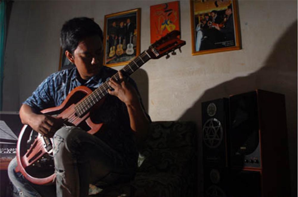 Unik, Gitar Hybrid