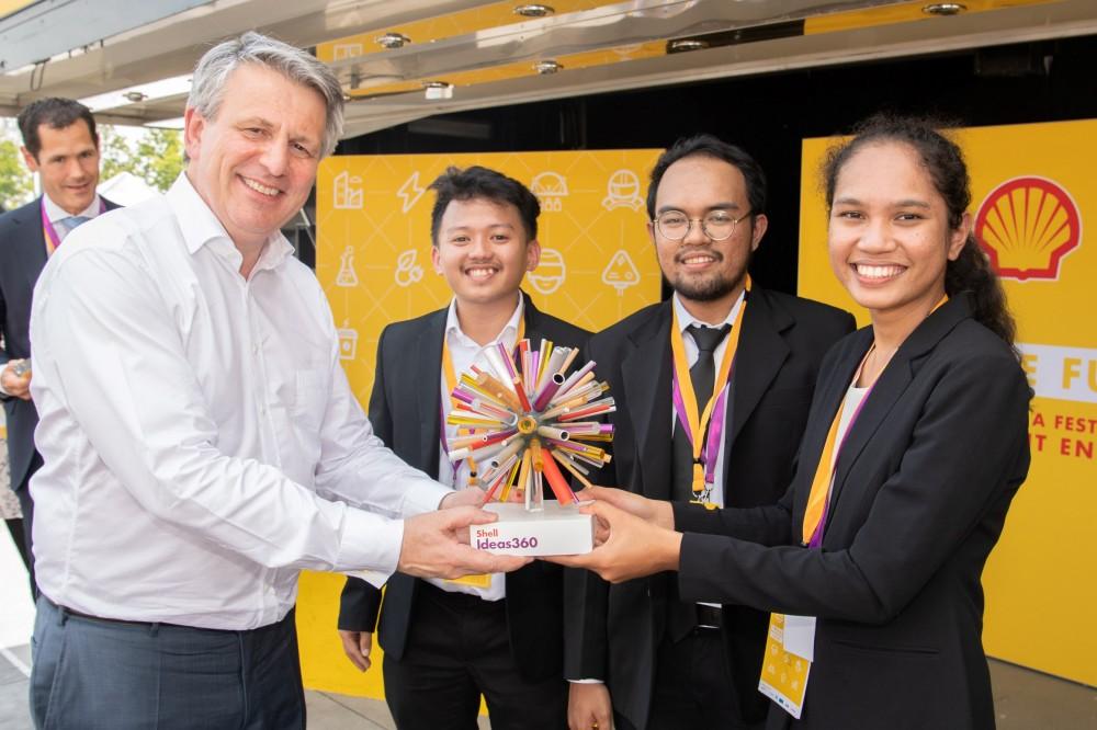 Tim UGM Juara Dunia Teknologi Mobil Berbahan Bakar Sampah Plastik