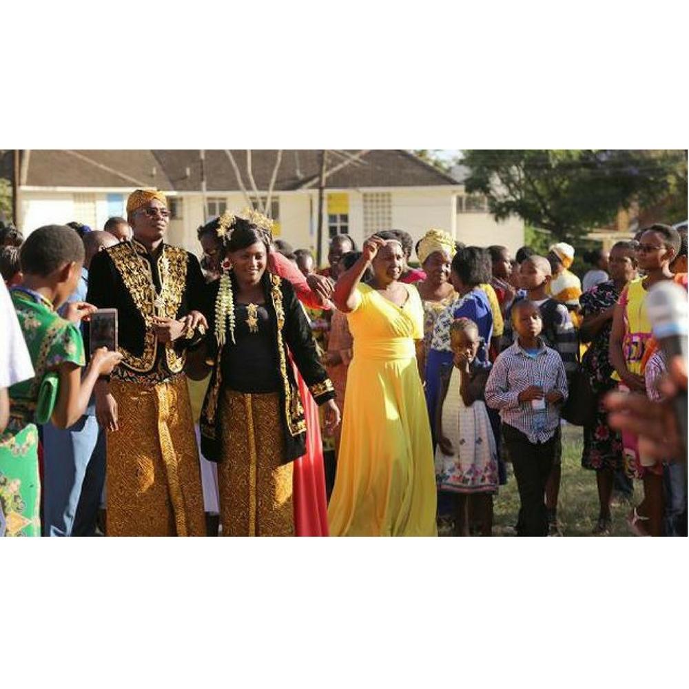 Unik! Warga Kenya yang Menikah dengan Adat Jawa