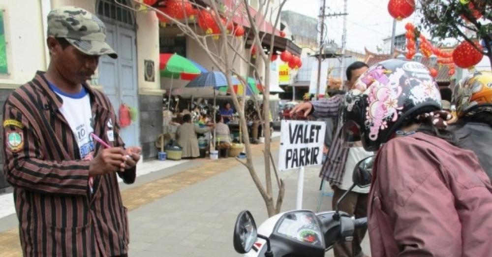 Satu-satunya di Dunia? Jasa Valet Parking Untuk Motor di Surakarta