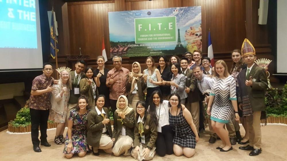 Membanggakan! Mahasiswa STP Bali Juarai Lomba Video Essay FITE 2018