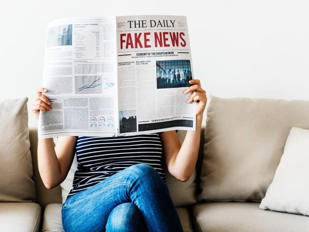 Kode Etik Penulis dan Hoaks